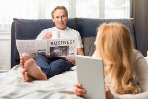 Reading free financial advice online